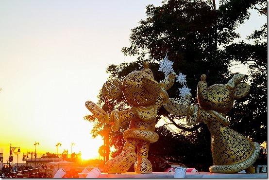 ミッキーミニーと夕日