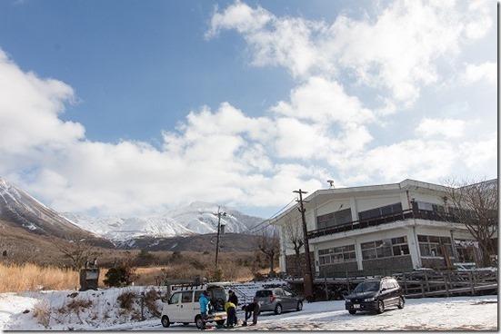 九重ビジターセンター周辺の雪