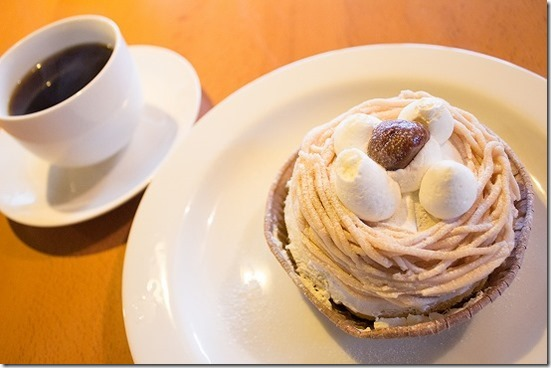 カフェ SOSUIのマロンケーキ