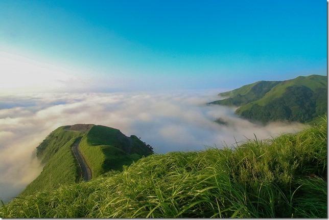 天空の道(ラピュタの道)と雲海 阿蘇