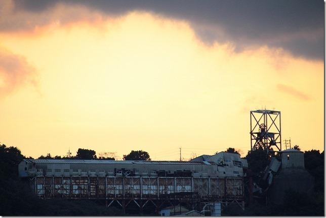 池島炭鉱と夕日