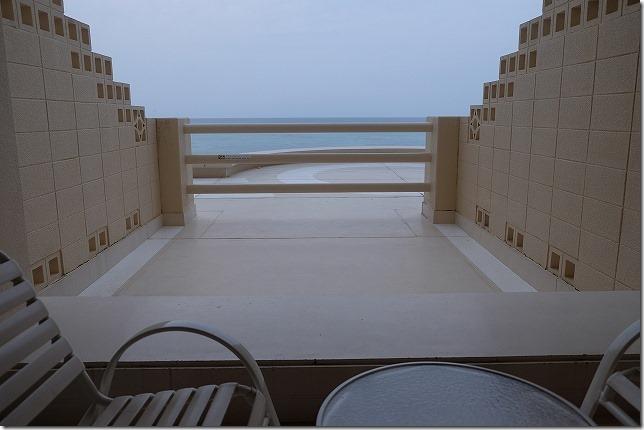 沖縄旅行(2日目) リザンシーパークホテル谷茶ベイに宿泊(食事・プール)