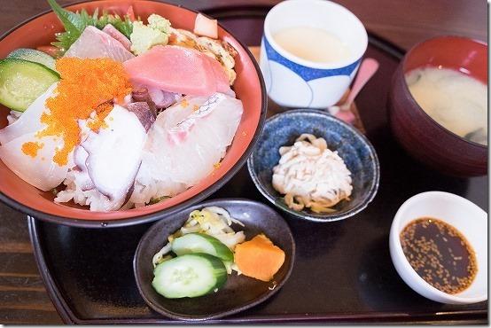 糸島 春めぐり(海鮮丼、梅、ツクシ、菜の花)