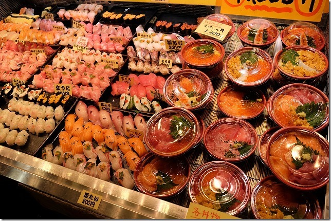 唐戸市場の海鮮丼・寿司