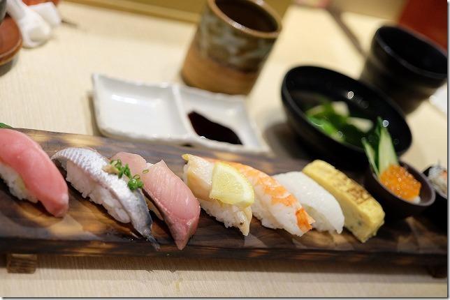 木の葉モールの寿司屋、板長おまかせのお寿司セット