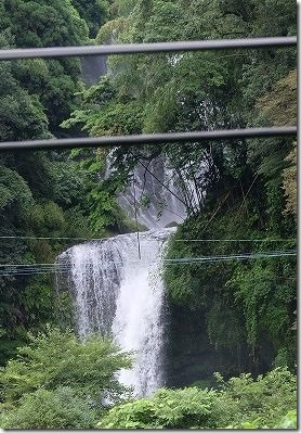 慈恩の滝、ゆふいんの森の車窓から