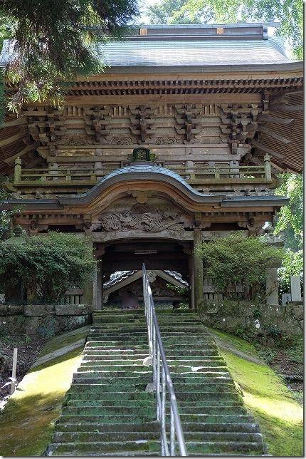 丸山八幡神社の楼門