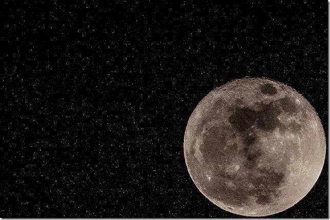 月と星空、スーパームーン