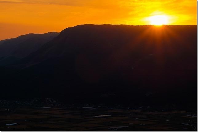 阿蘇外輪山の夕日