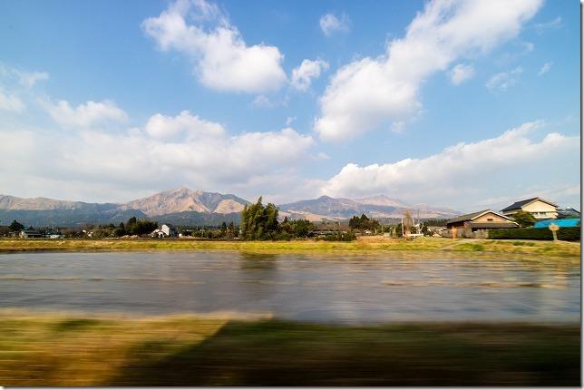 南阿蘇鉄道、ONEPIECEラッピング列車からの車窓