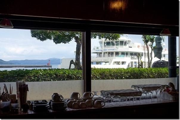 道の駅、うしぶか海彩館で食事。喫茶店