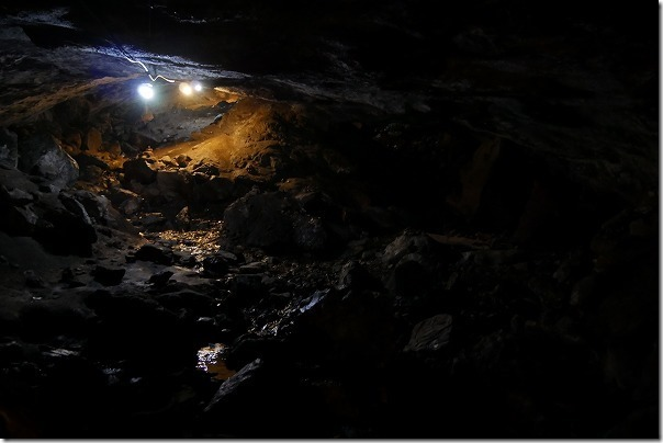 竹田、穴森神社の洞窟