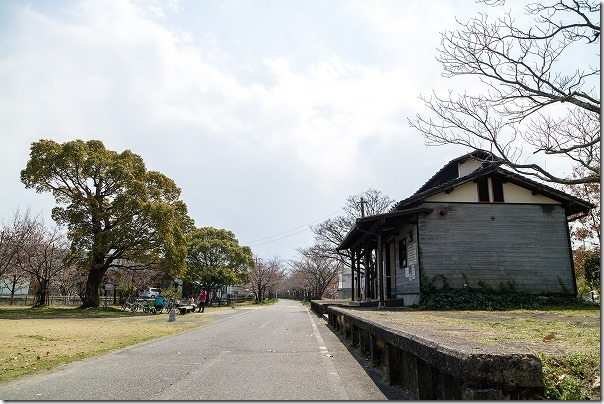 旧国鉄、南佐賀駅跡の公園、駅舎