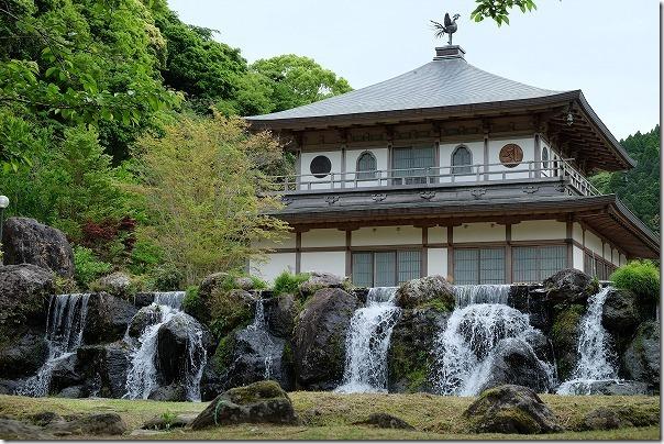 岩屋公園の銀閣寺風の建物