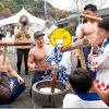 筋肉かき氷が餅つき 秋の有田陶器祭り(有田陶磁の里プラザ)