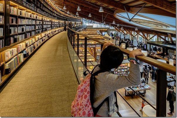 武雄市図書館、撮影可能ポイントその1