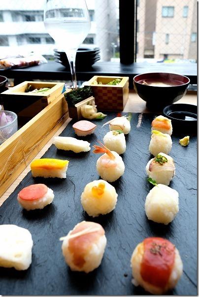 今泉,NewStyle(ニュースタイル)の手まり寿司プレート