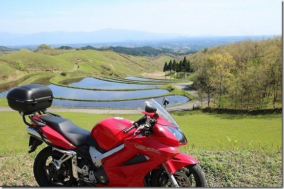 扇田園とバイク