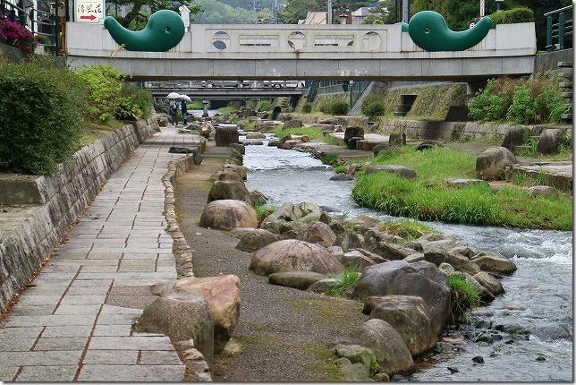 玉造温泉の川沿いの遊歩道