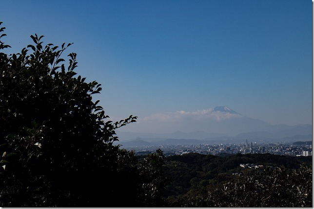 鎌倉 勝上献展望台から富士山