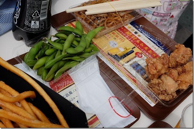 博多駅、サントリーのビールフェスティバルの食べ物