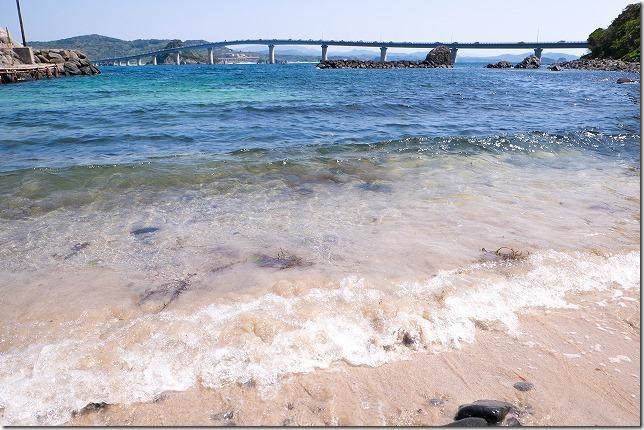 角島大橋と砂浜、中道