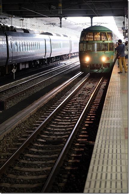 博多駅に入るゆふいんの森号