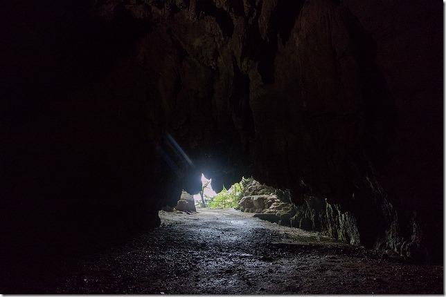 平尾台の千仏鍾乳洞の入り口