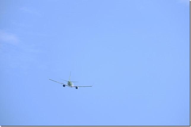 佐賀空港を飛び立つ飛行機