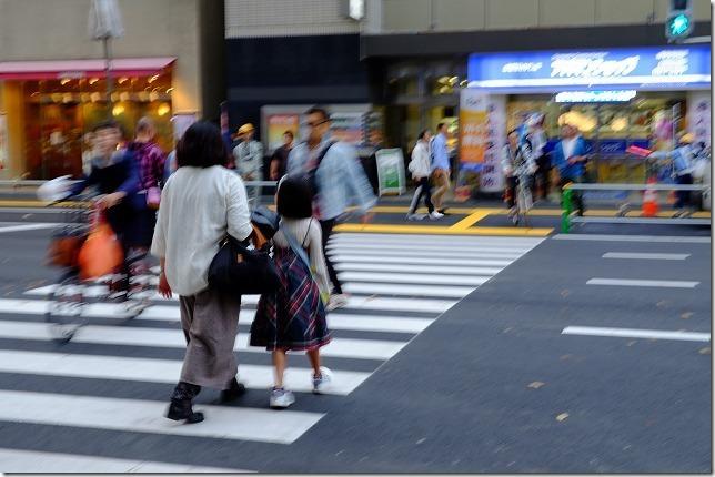博多駅前の陥没後、交差点