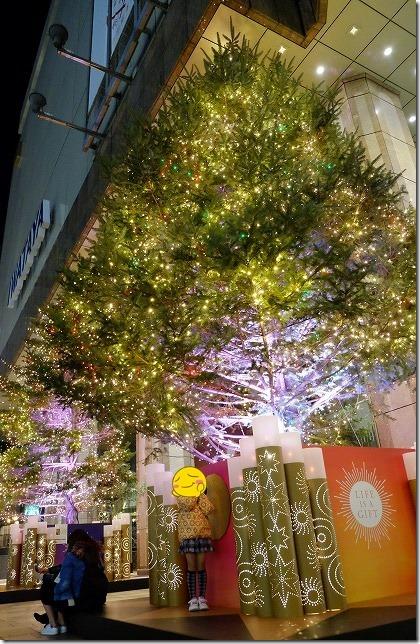 天神岩田屋前のクリスマスツリー