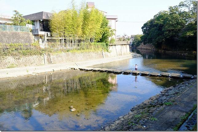 嬉野温泉散策、川渡り