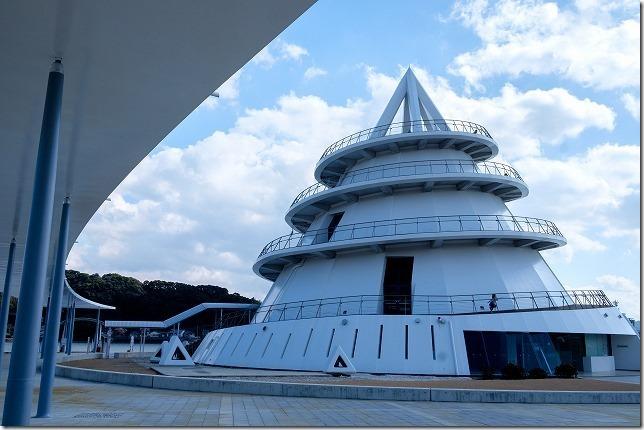 三角港の海のピラミット