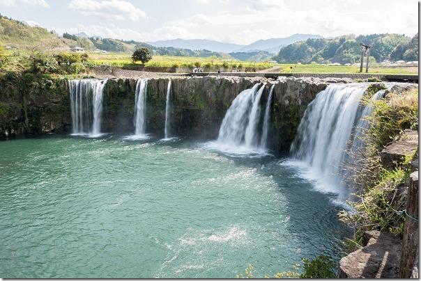 原尻の滝の滝壺