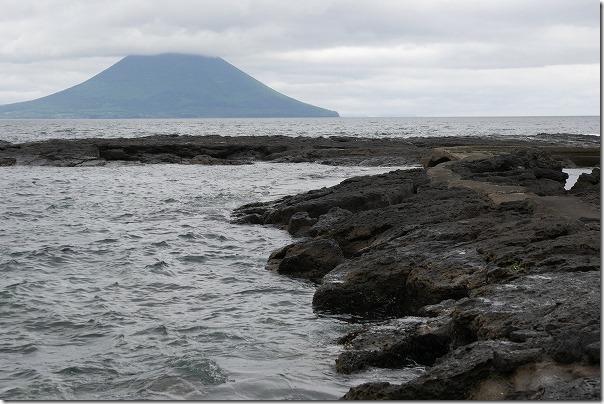 番所鼻自然公園の海の池を散策
