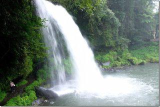 玖珠で観光 慈恩の滝と旧豊後森機関庫(大分県玖珠町)