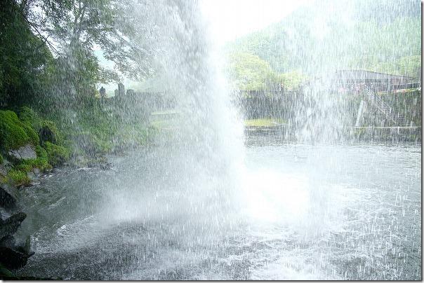 玖珠、慈恩の滝の裏側