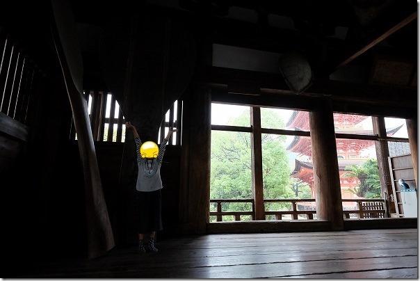 宮島の千畳閣(豊国神社)で雨宿り