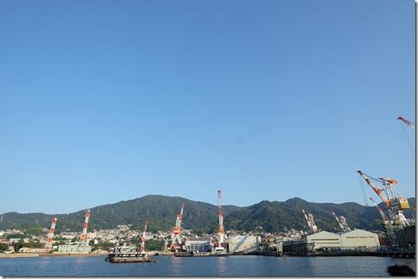呉艦船めぐり、海から造船所