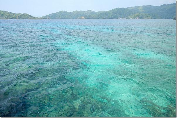 奄美大島,タエン浜海水浴場の澄んだ海