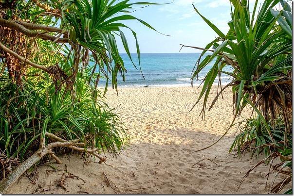 奄美大島ハートロックへ砂浜
