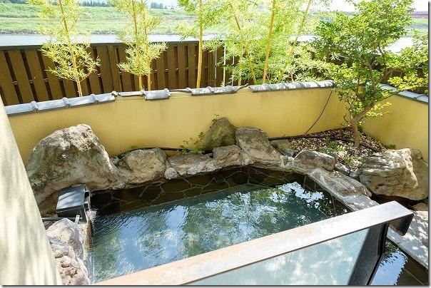 原鶴温泉、花水木の露天