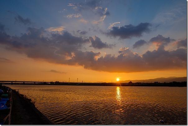 筑後川花火大会で夕日