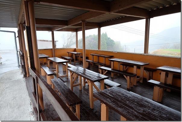 豊礼の湯の食事スペース、屋外