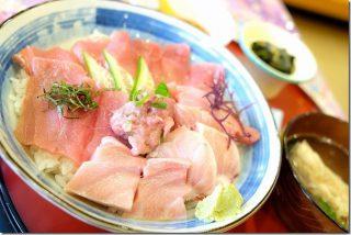 道の駅 鷹ら島で食事(マグロ丼・海鮮丼・ちゃんぽん)