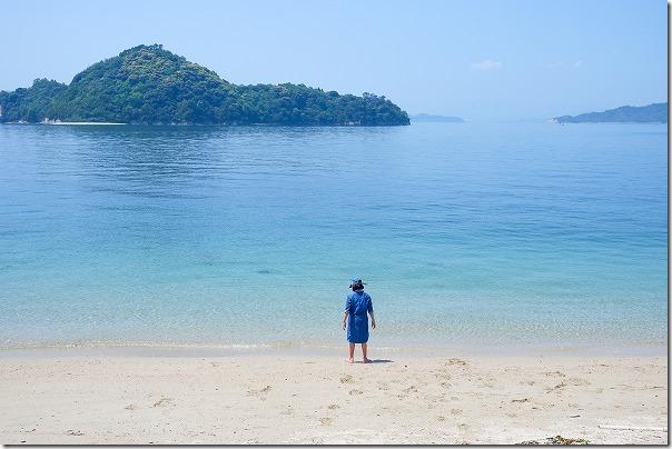 大久野島の青い砂浜
