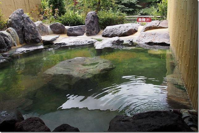 塚原温泉の露天風呂