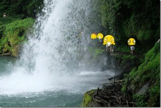 慈恩の滝で水遊び(大分県玖珠町)