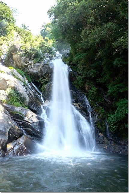 見帰りの滝、滝壺近く