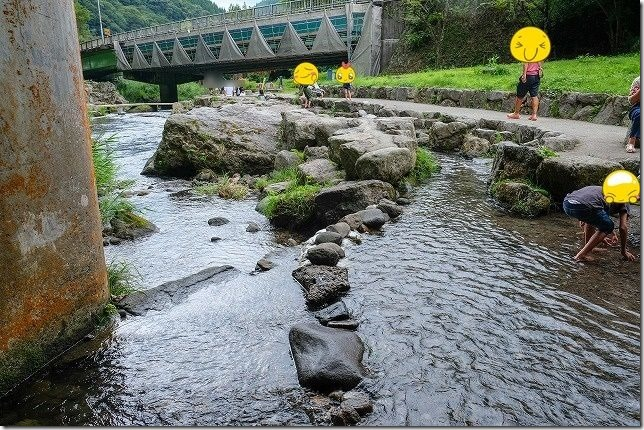 慈恩の滝で子供と水遊び,玖珠